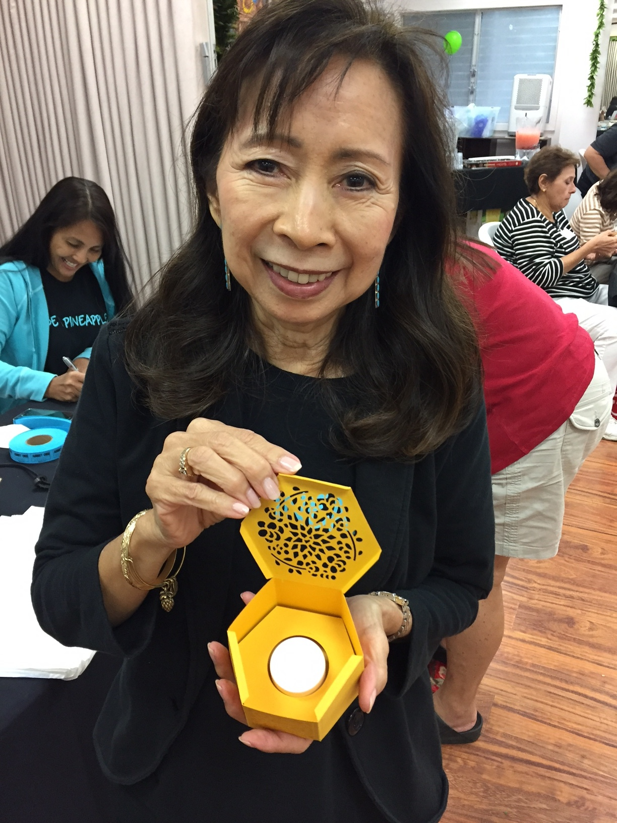 Zeny and her prize patrol tea light - www.stampedwithaloha.com