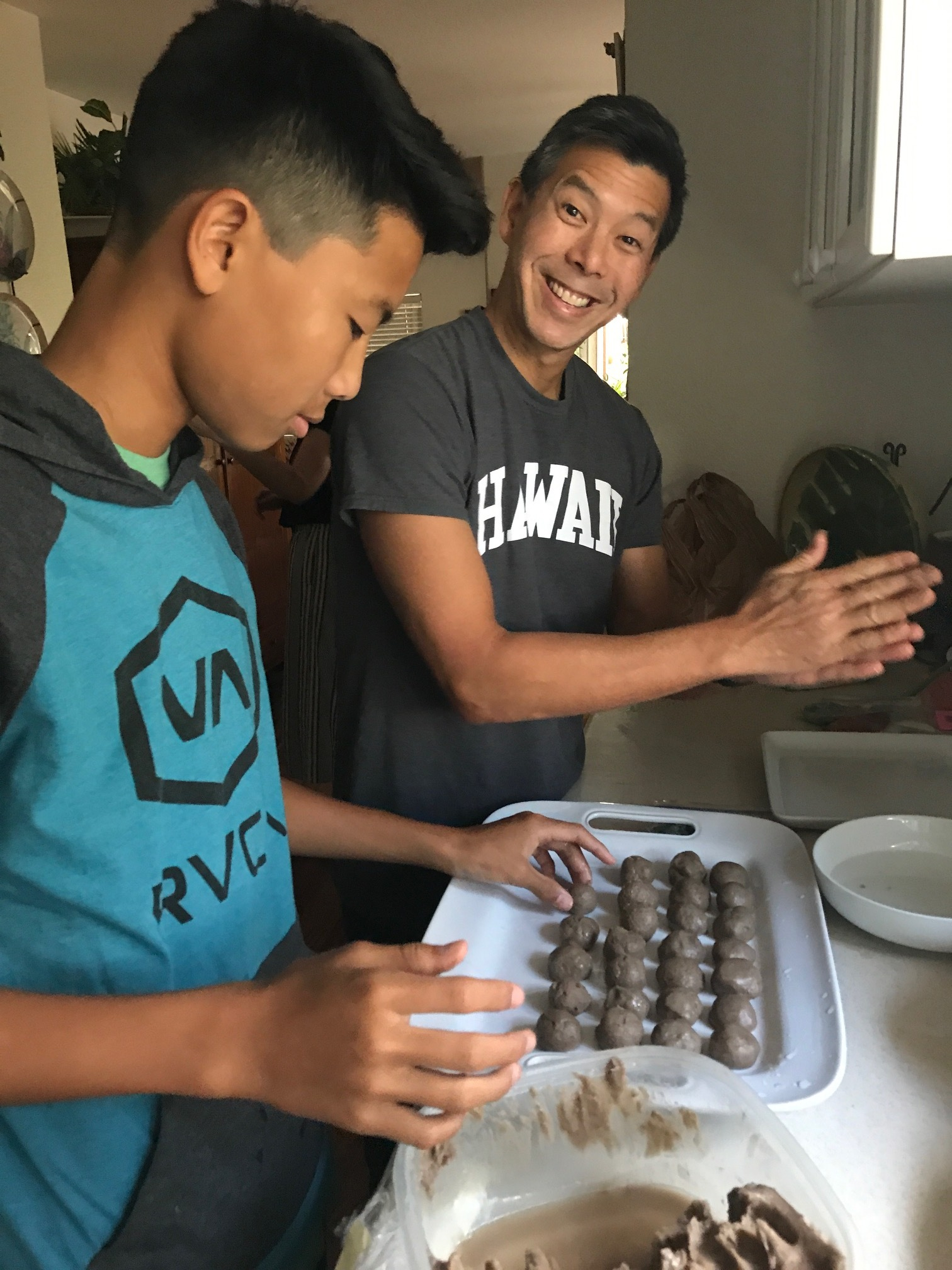 Eddie and Daniel prepping the pai'a'i