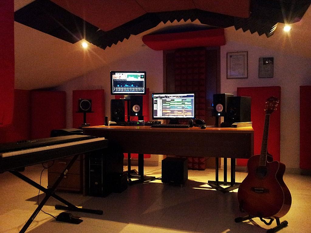 Marco Pesci's studio in Marta, Italy