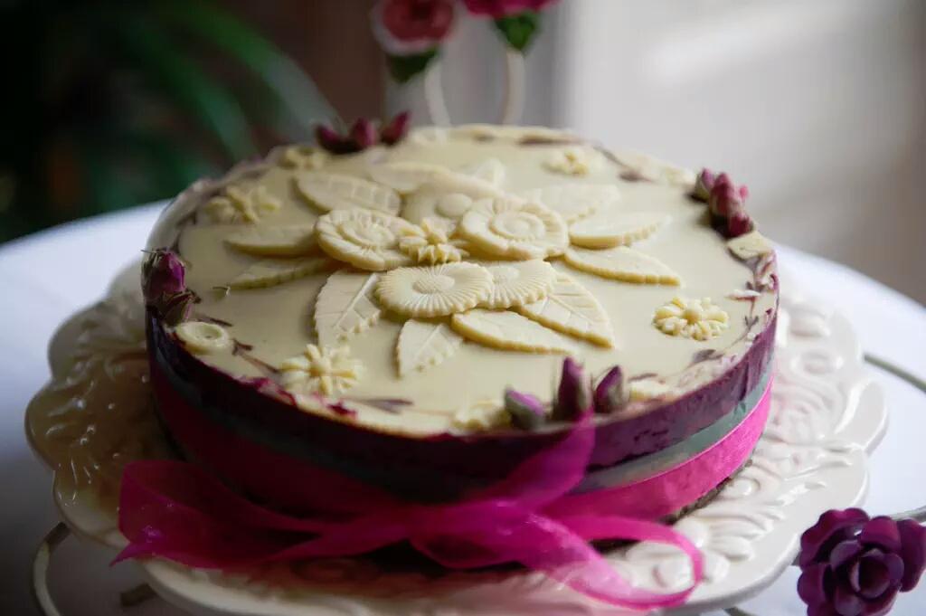 RAWSOME CAKES
