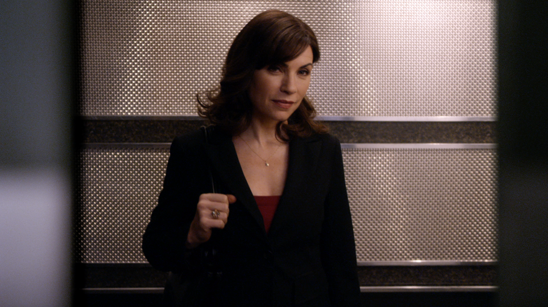 THE GOOD WIFE: GAMES OFFICE (TV30)