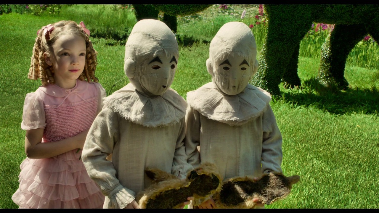 Screenshot from Miss Peregrine's Home for Peculiar Children (2016) trailer. Learn from these kids and share your resources!