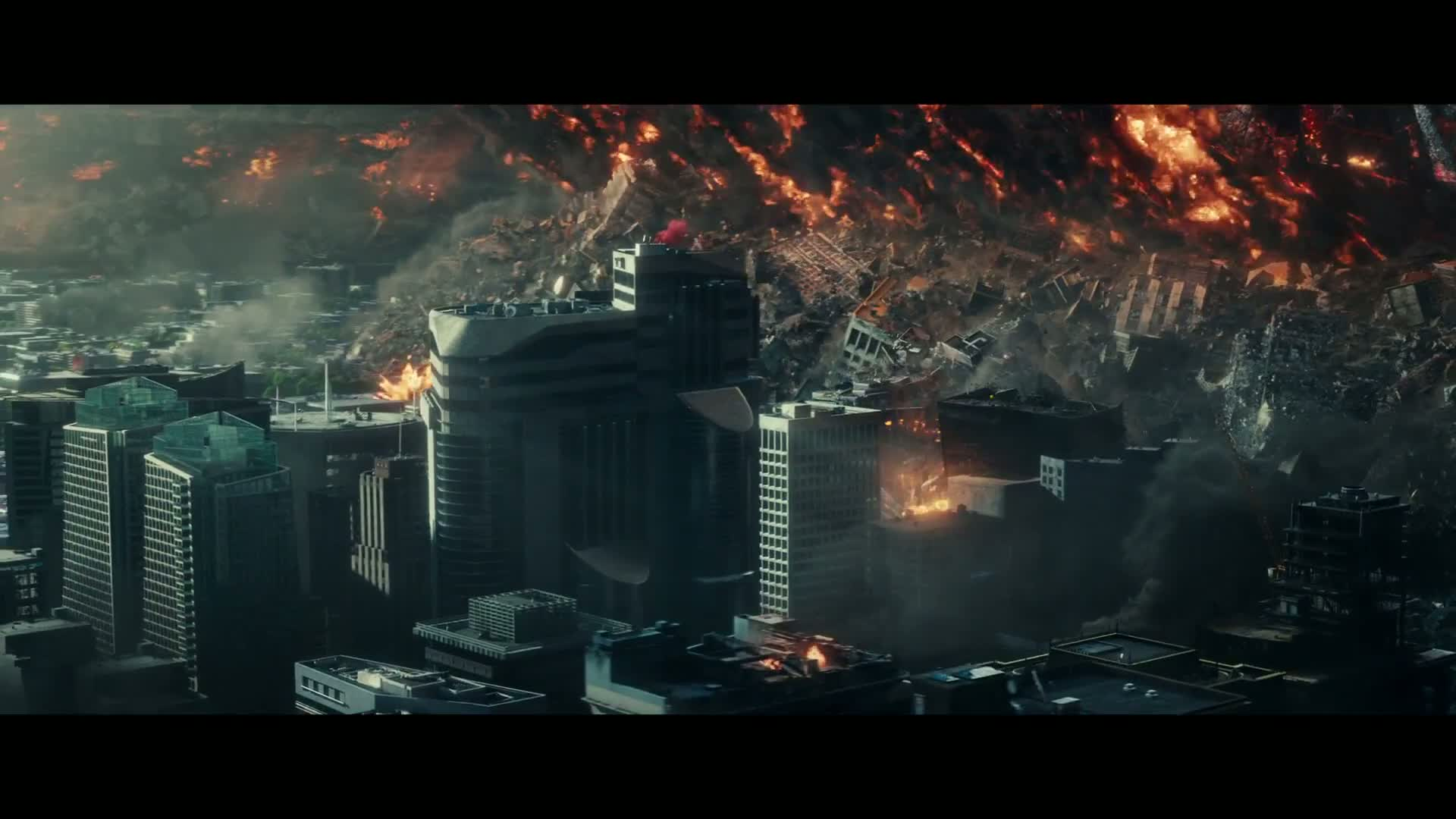 Screenshot from Independence Day (2016) trailer. Do you see that crane being torn to pieces? Me neither, but it's in there somewhere, with a lot of detail. I made it.