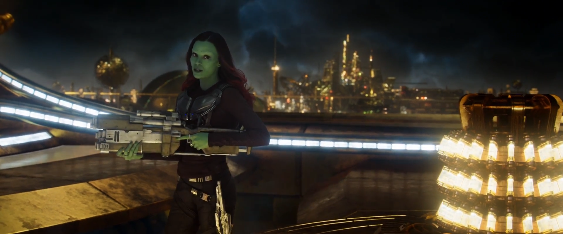Gamora understands that even for a specialist you must be well-rounded - Screenshot from Guardians of the Galaxy Vol. 2 (2017) trailer