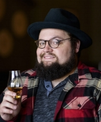 MICHAEL MOBERLY, WRITER, DRINKS ON YOU, FEATURED IN RENO-TAHOE EDIBLE. PHOTO BY CANDICE VIVIEN