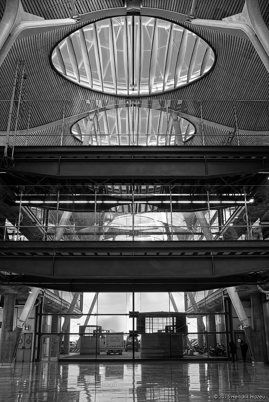 Barajas Airport Concourse