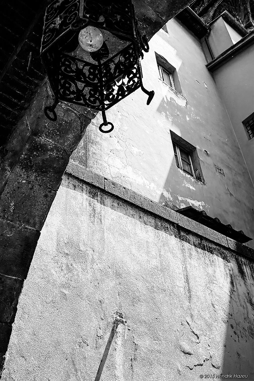 Pescia, Tuscany - View thru arch