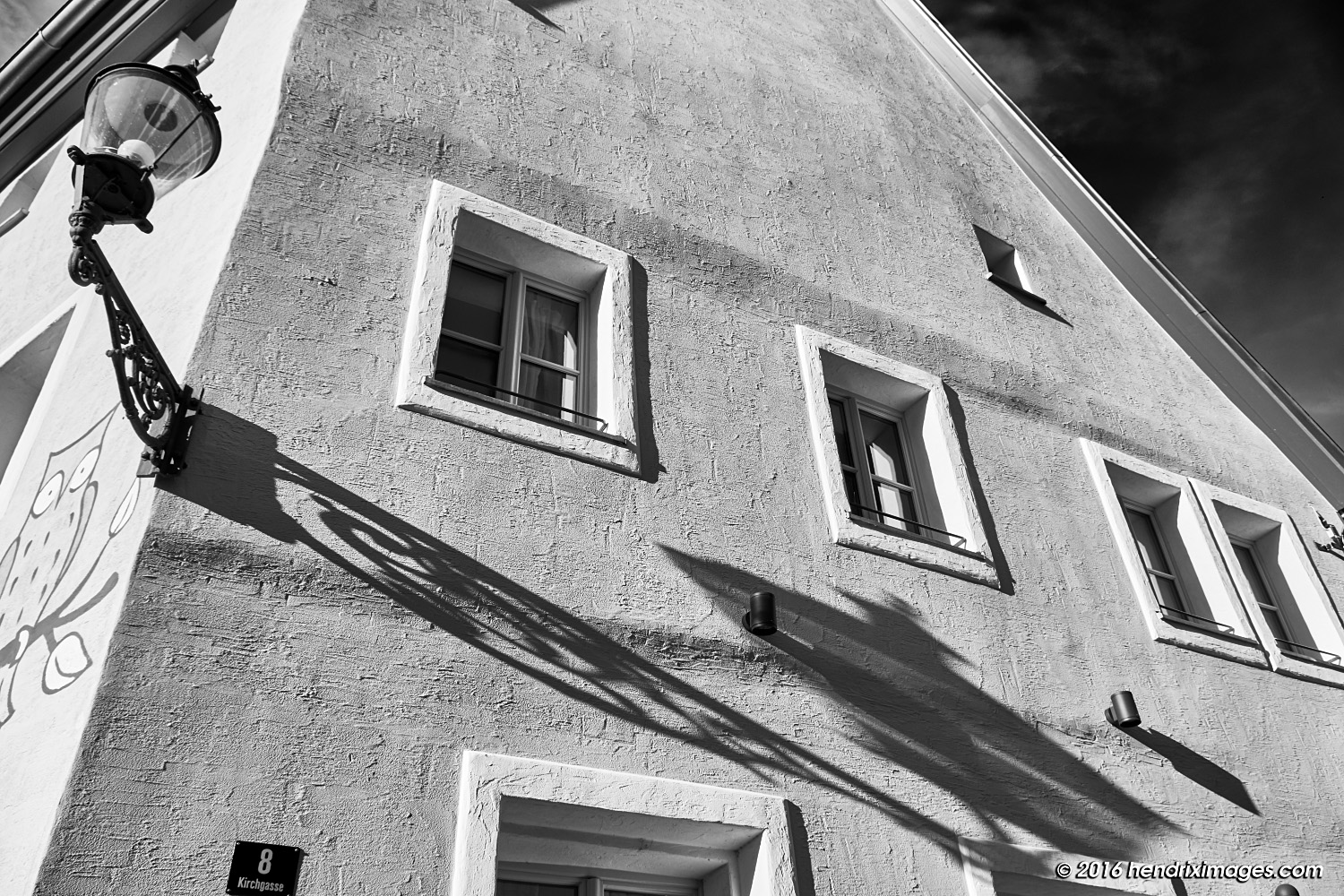 House facade in the Winter Sun, captured by XF 18-135 mm @f8/18 mm (27 mm FF equ.)