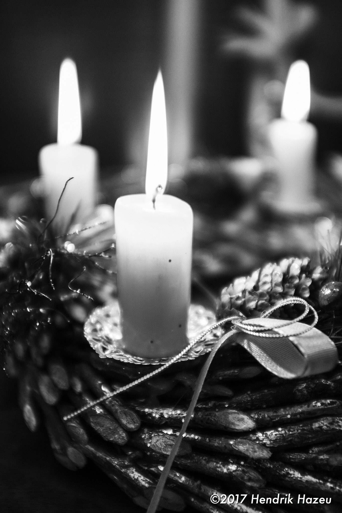 "3 burning, 1 to go: ""Advent"" countdown to X-mas, Fuji X100F @f2, ACROS JPEG in LR CC mobile"