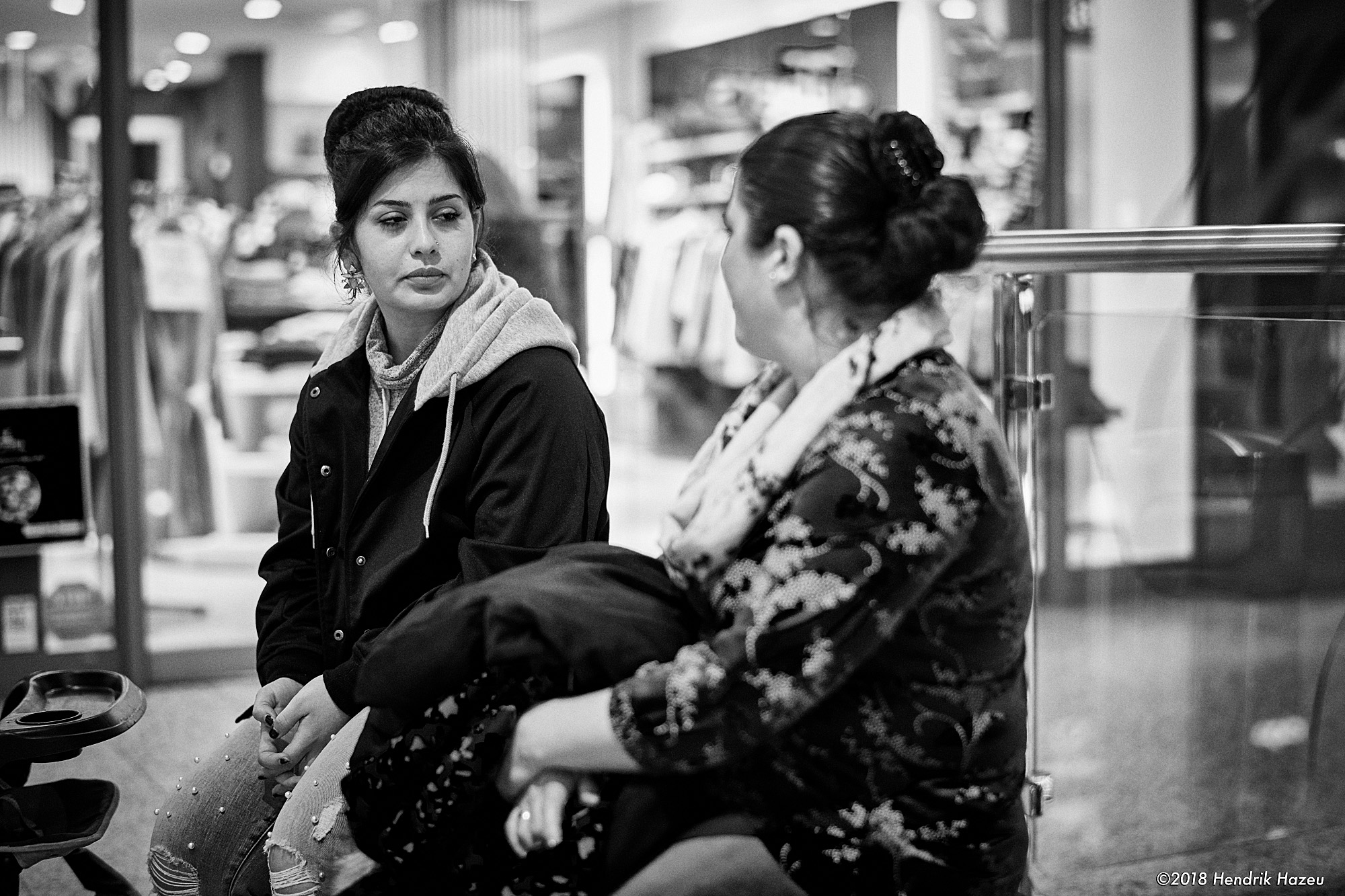 Scepticism after shopping, seen with Nikon D850 & AF-S 58mm f/1.4G @f/2, 1/125 sec, 720 ISO