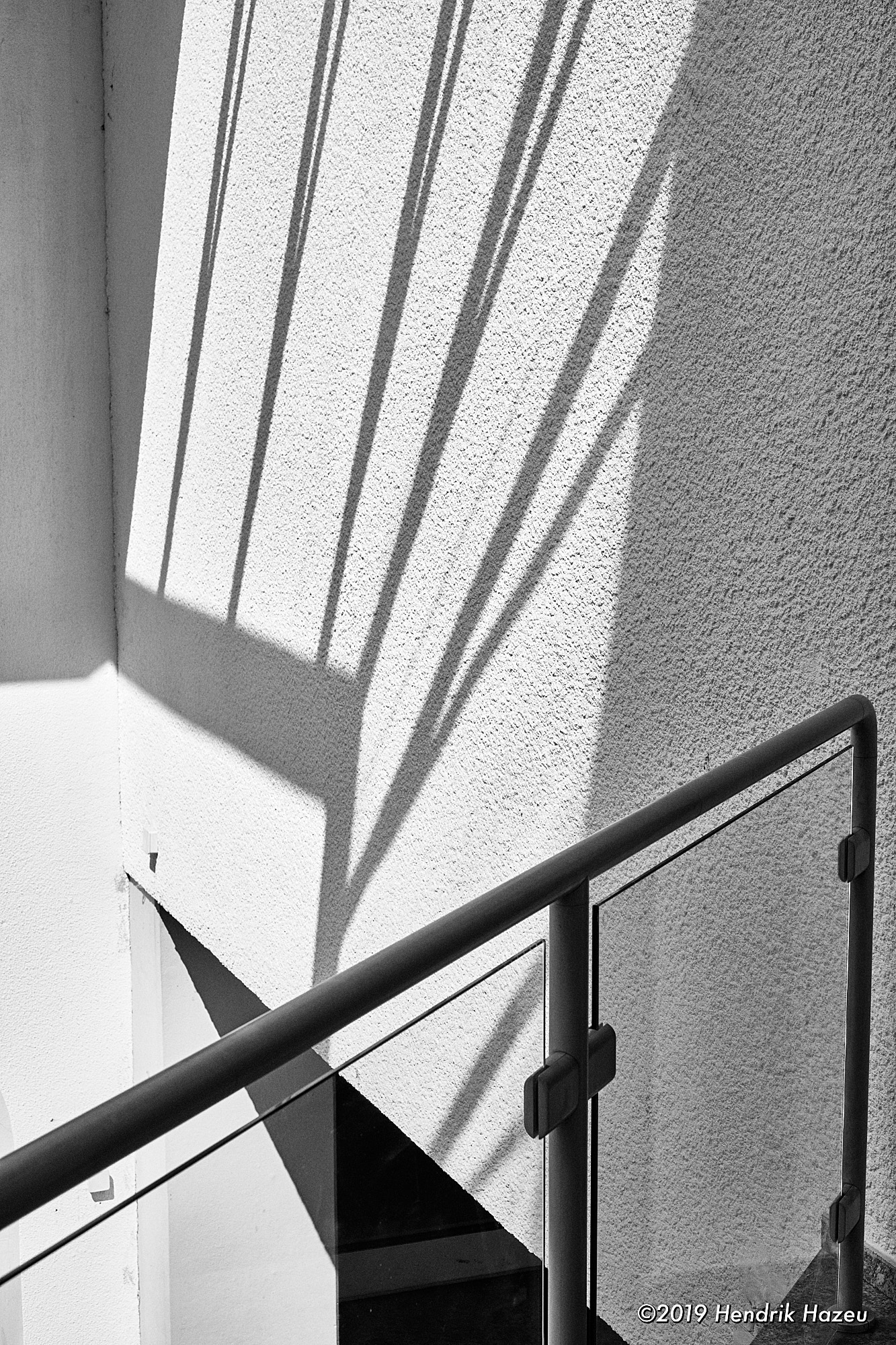 Also here a pattern of shadows makes the image: X-H1 with XF35mm F/1.4, @F/8, 1/500 sec, ISO 200