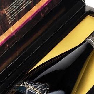 #llagrimador #catalunyaexperience #tradition #familytradition #wineries #winerytour #winetasting #igersoftheday #igerscatalunya #igerspenedes #igerswine #igerscava #experience #penedes #dopenedes #docava #cava #vino #wine #winelover #cavalover #champagne #ilovewine #ilovecava #cellar #bodegas #work #enoturisme #enoturismo