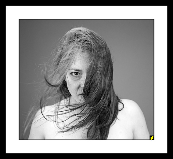 BEHIND TCHADOR CL BY HS 03.jpg