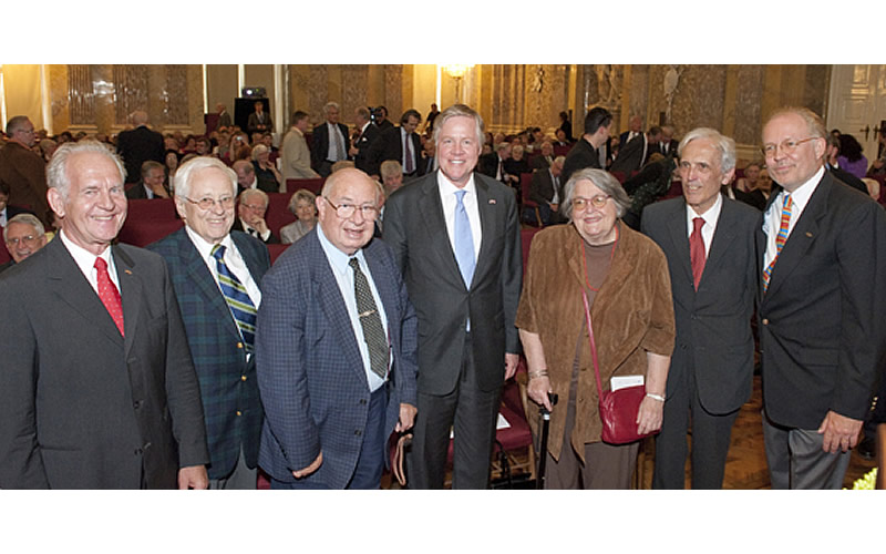 The 60th anniversary of the Fulbright Program in Austria, June 7, 2010: Karlheinz Schwarz, President of the Austrian Fulbright Alumni (Ieft) and U.S. Ambassador William C. Eacho (center) with alumni from the inaugural class of 1951-52. Austrian grantees: Hubert Feichtlbauer (St. Louis University), Thomas Chorherr (Ohio Wesleyan), Eva Schussek (University of Arkansas), Friedrich Gleissner (Harvard), and Lonnie Johnson, Executive Director of the Fulbright Commission.