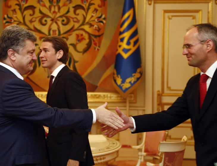President Petro O. Poroshenko of Ukraine, Austrian Foreign Minister Sebastian Kurz, and Austrian Ambassador Wolf Dietrich Heim, 2015 Photo: Austrian Foreign Ministry