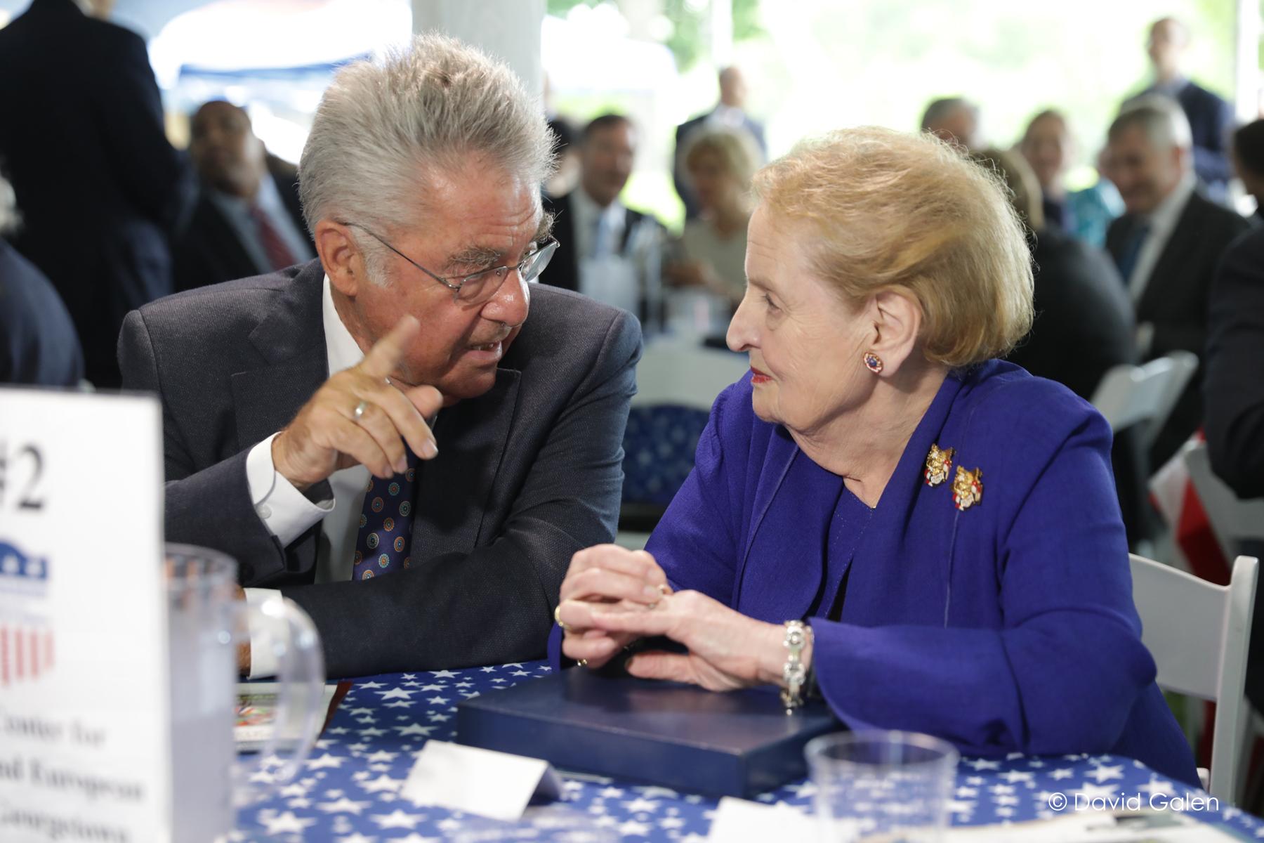 Dr. Heinz Fischer, former Federal President of Austria, and Dr. Madeleine Albright, former U.S. Secretary of State on June 5, 2017.
