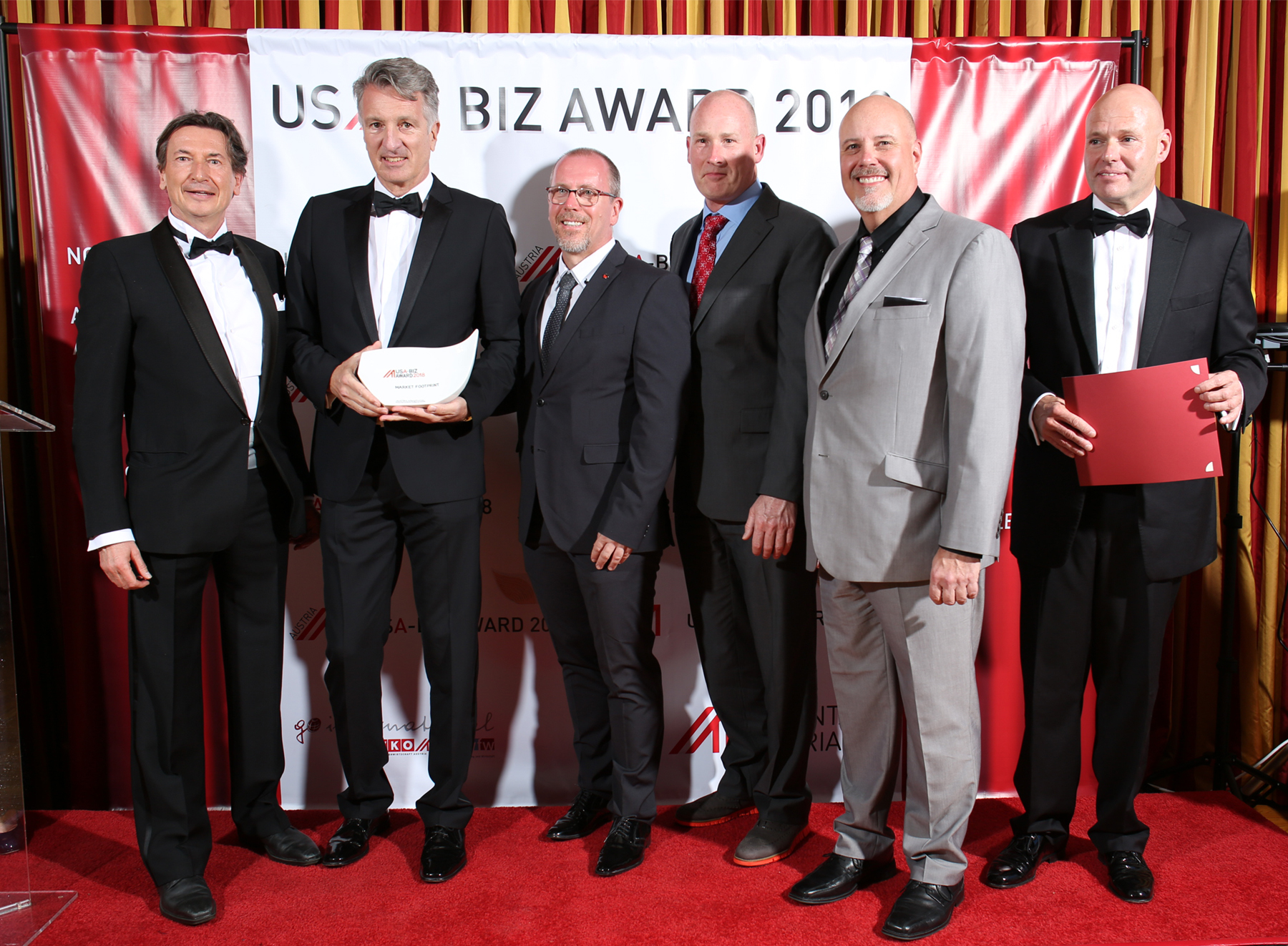 From left: Walter Koren (Austrian Trade Commissioner in Los Angeles), Harald Kogler (Hirsch, CEO), Manfred Rieglhofer (Hirsch, Managing Director), Sammy Harrill (Hirsch, Service Manager), Steve Weber (Hirsch, Sales Manager North America), and Consul General Andreas Launer