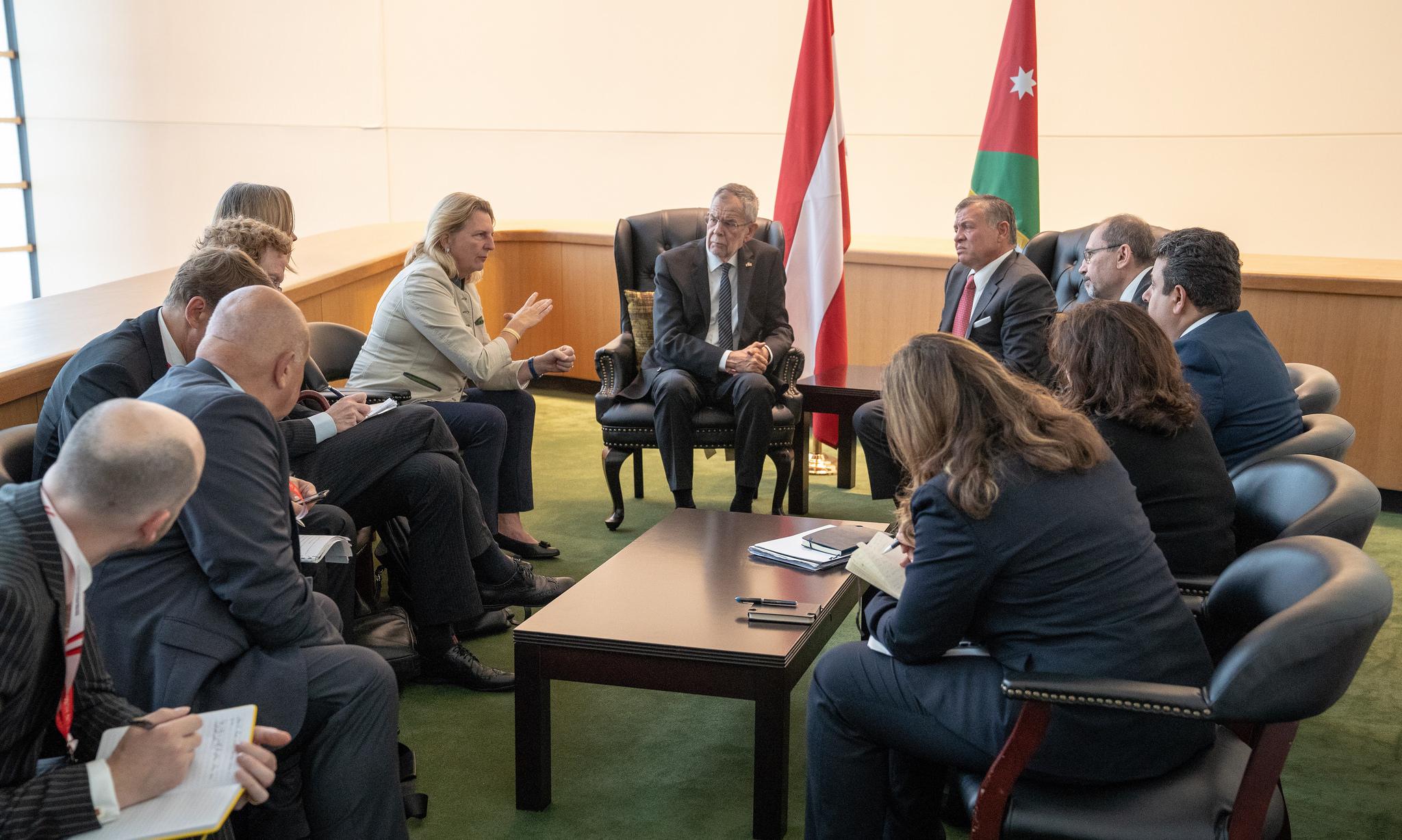 Foreign Minister Karin Kneissl an Federal President Alexander Van der Bellen meeting with Jordan's King Abdullah II bin Al Hussein (c) Austrian Ministry of Foreign Affairs