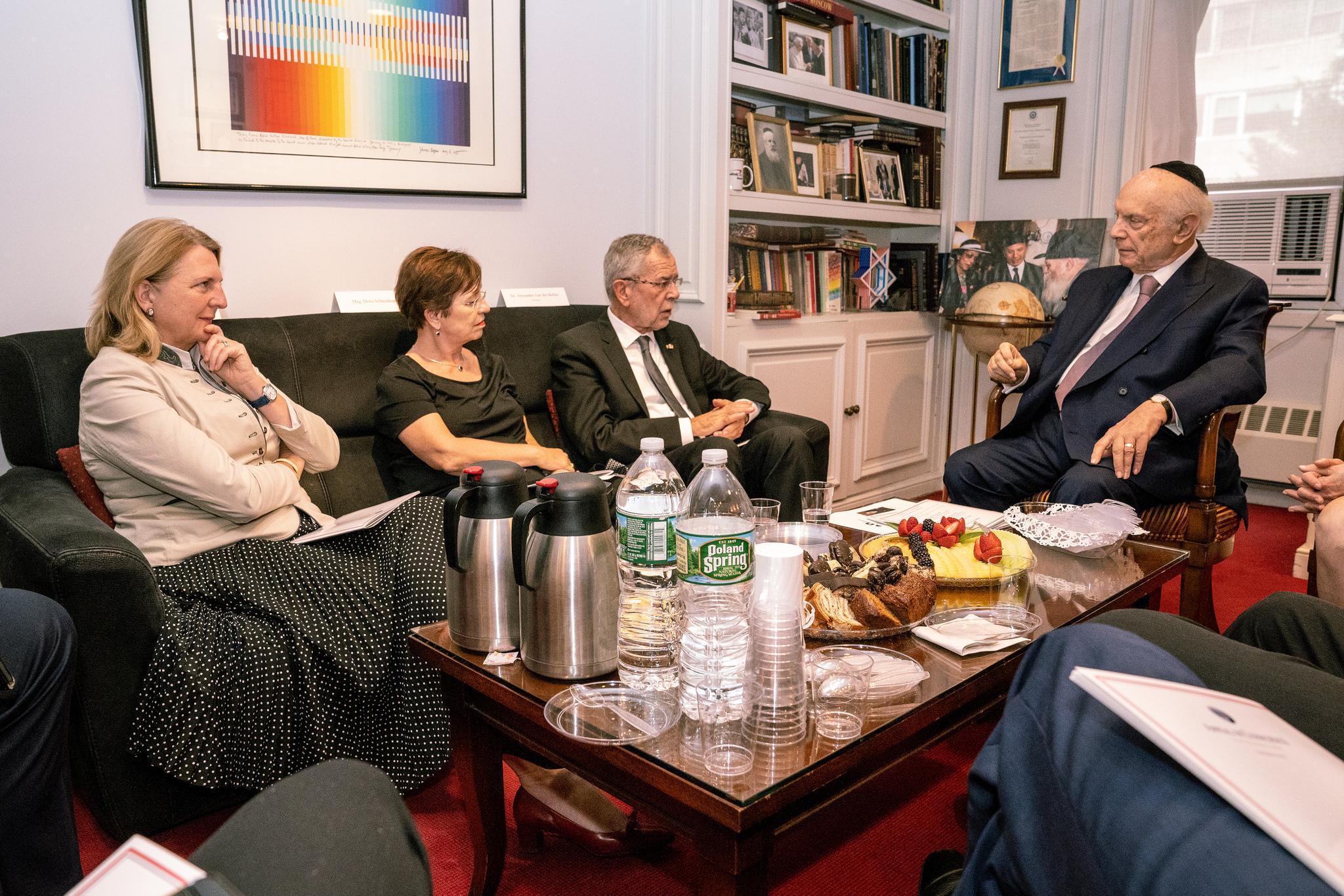 Foreign Minister Karin Kneissl and Federal President Alexander Van der Bellen meet with Rabbi Arthur Schneier (c) Austrian Ministry of Foreign Affairs
