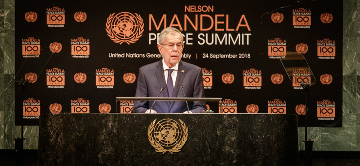 Federal President Alexander Van der bellen delivers opening remarks at the  Nelson Mandela Peace Summit . (c) Peter Lechner/HBF