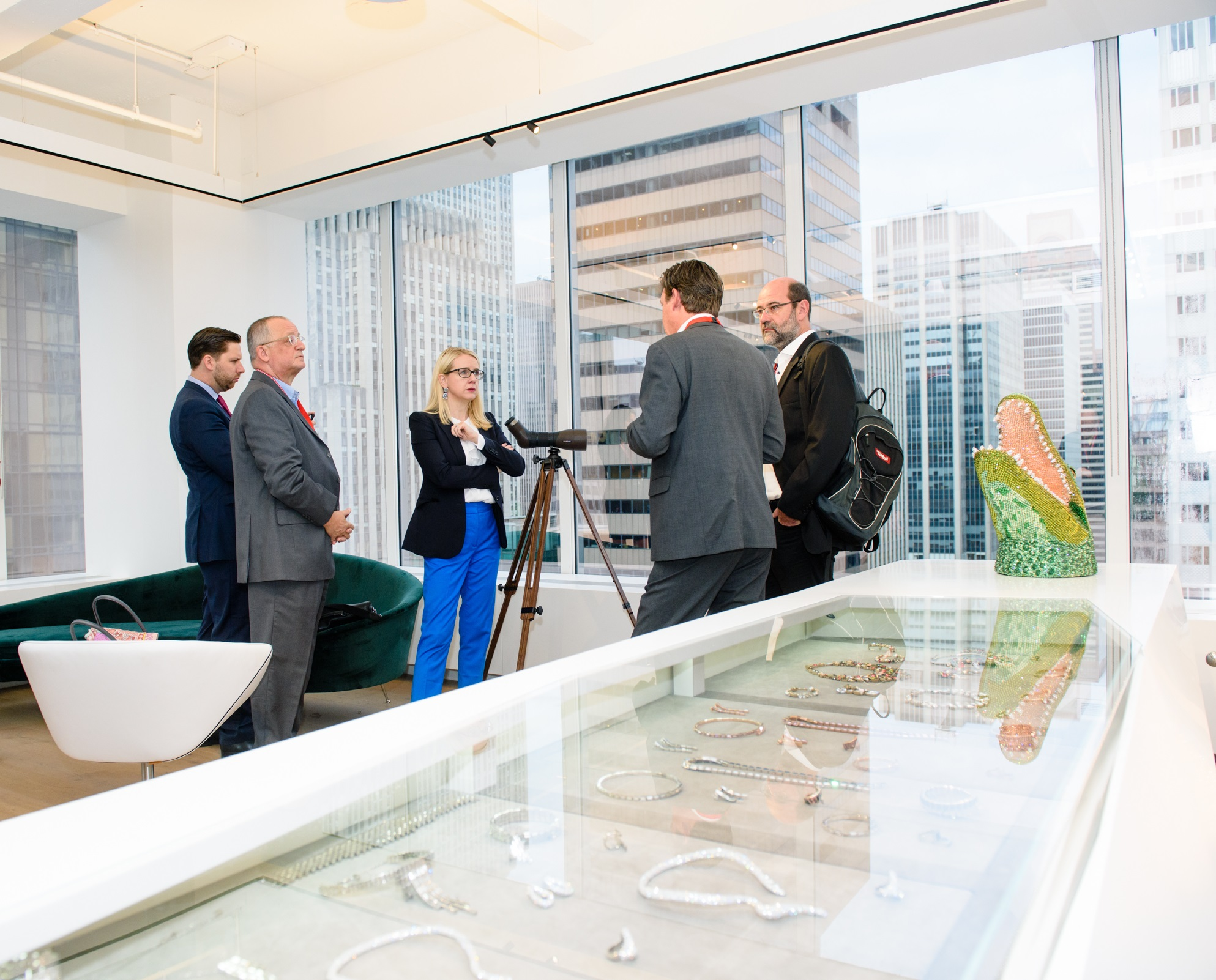 Minister Schramböck visiting the Austrian flagship company Swarovski in the heart of New York City (c) Philipp Hartberger