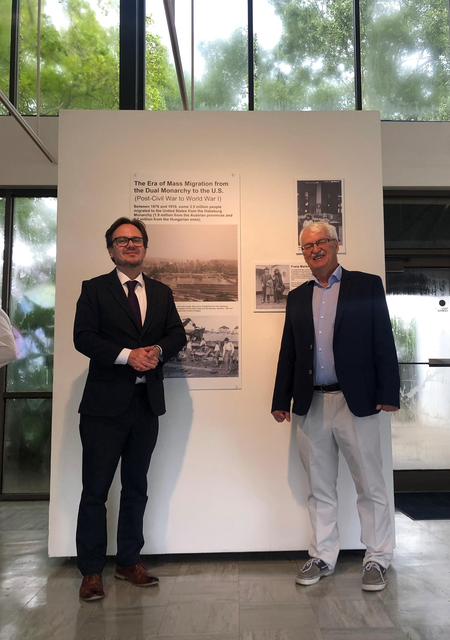 (From left:) Dr. Hannes Richter, Professor Günter Bischof
