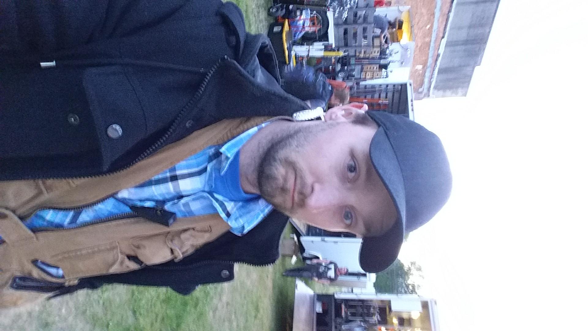 Jason Elliott On Set