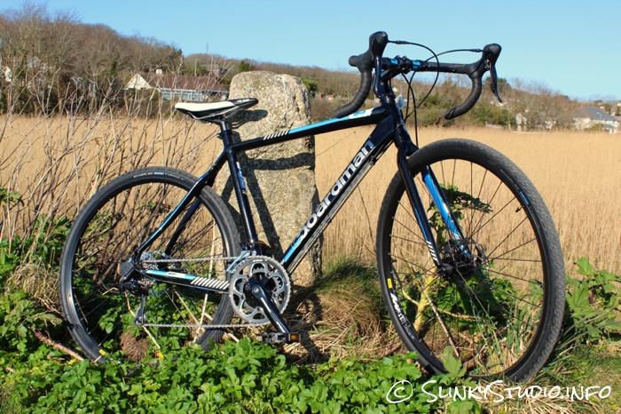Boardman CX Comp Bike Full Side View.jpg