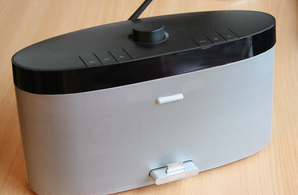 Gear4 AirZone Series 1 Speaker: Dock.jpg