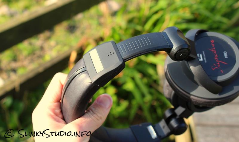 Ultrasone Signature Pro Headphones Adjustable Ear Cups.jpg