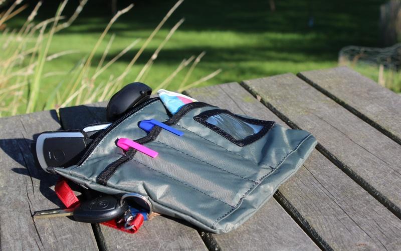 Rickshaw iPad Messenger Bag Deluxe Drop Pocket.jpg