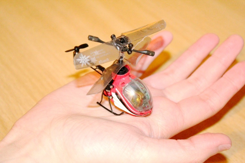 Silverlit Nano Falcon RC Helicopter Smalled In the World on palm of hand.jpg