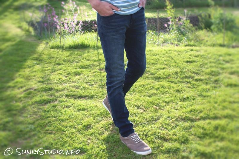 Jack & Jones Premium Ben Classic Skinny Jeans Walking.jpg