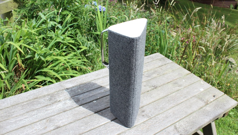 Libratone Live Triangular Shape.jpg