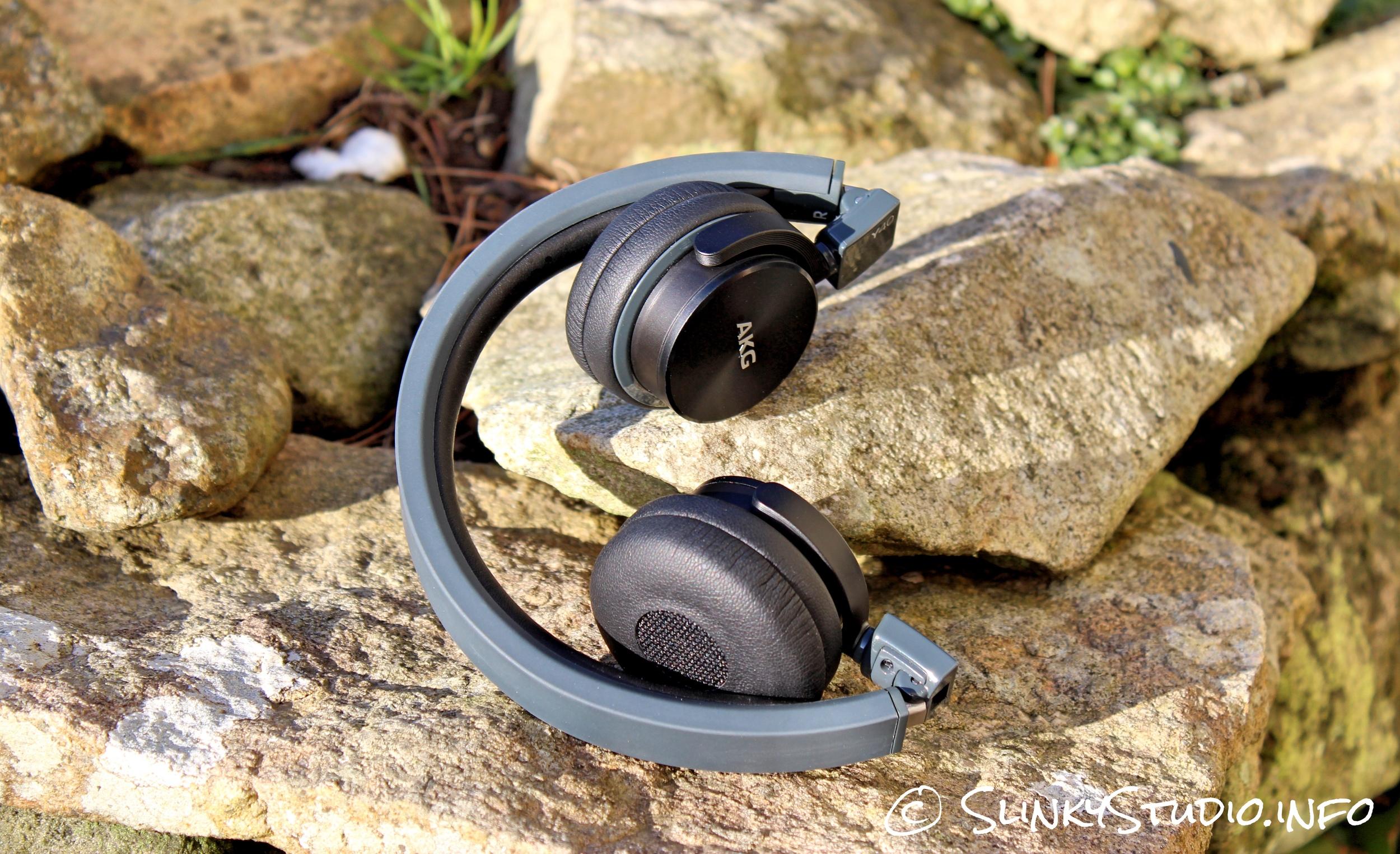 AKG Y40 Headphones Folded.jpg