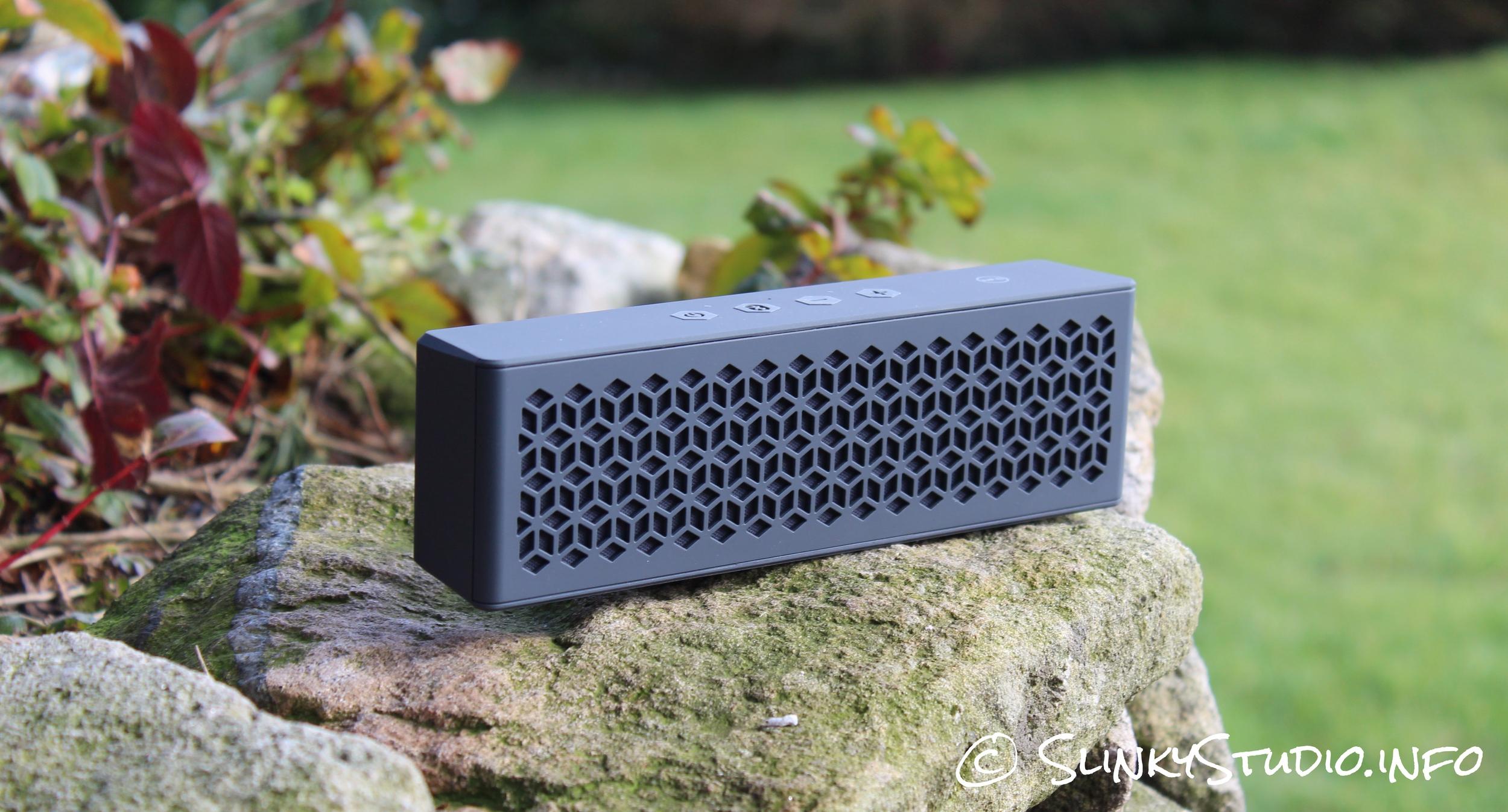 Creative MUVO mini Speaker on a stone