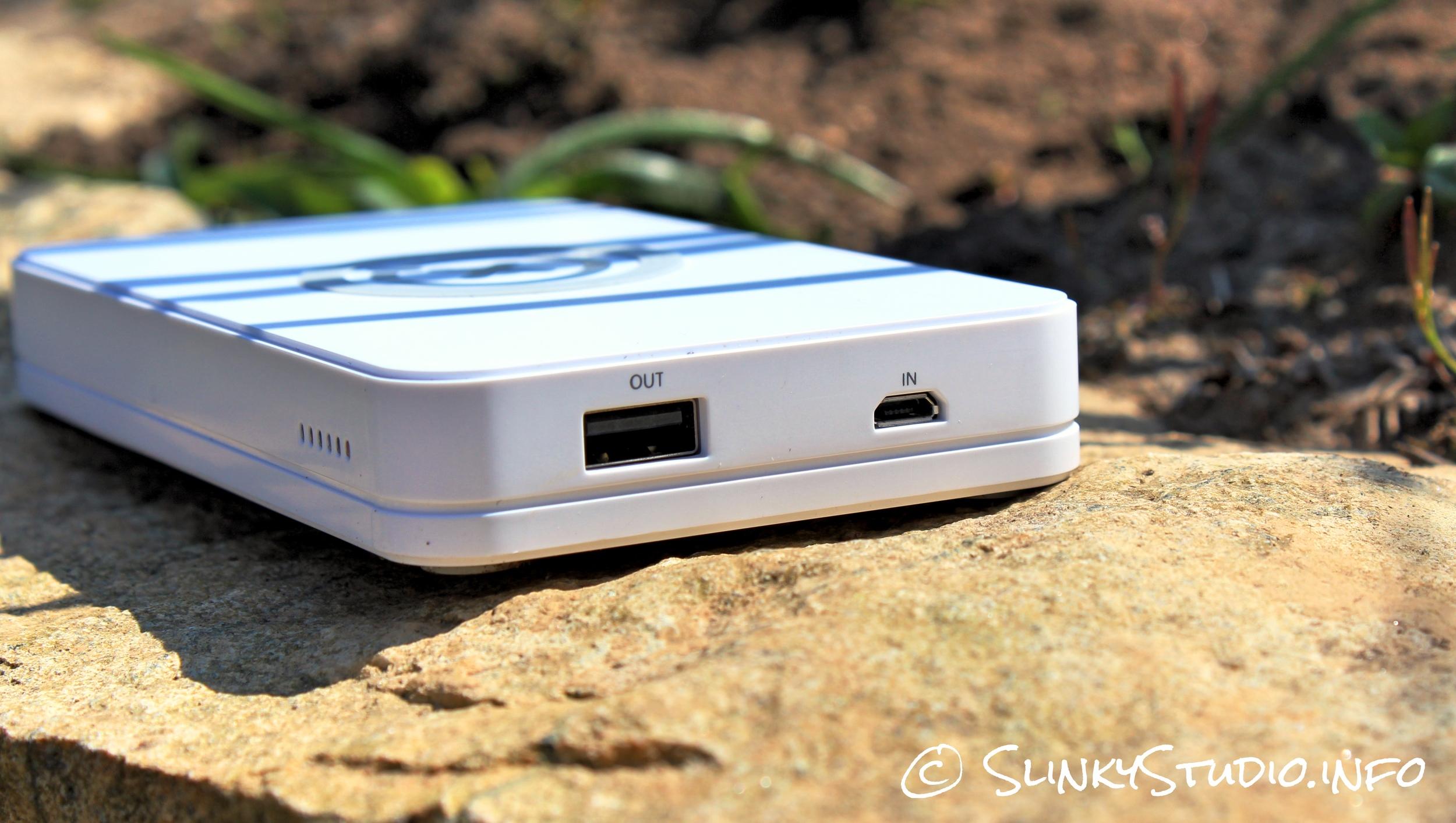Xtorm Wireless Power Bank USB Ports