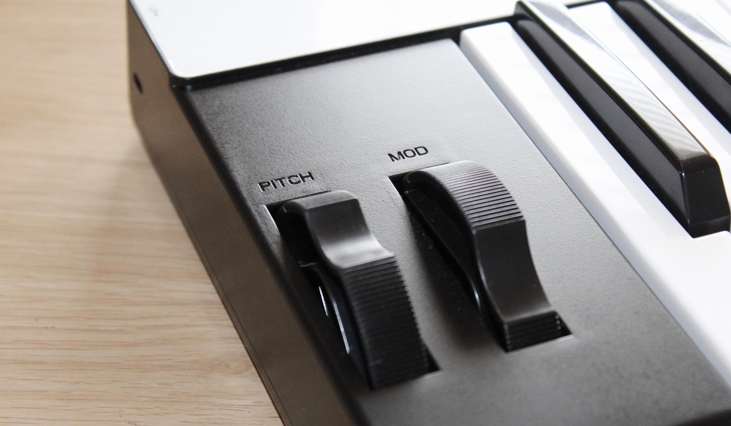 IK Multimedia iRig Keys Pro Pitch Mod Slider Contols