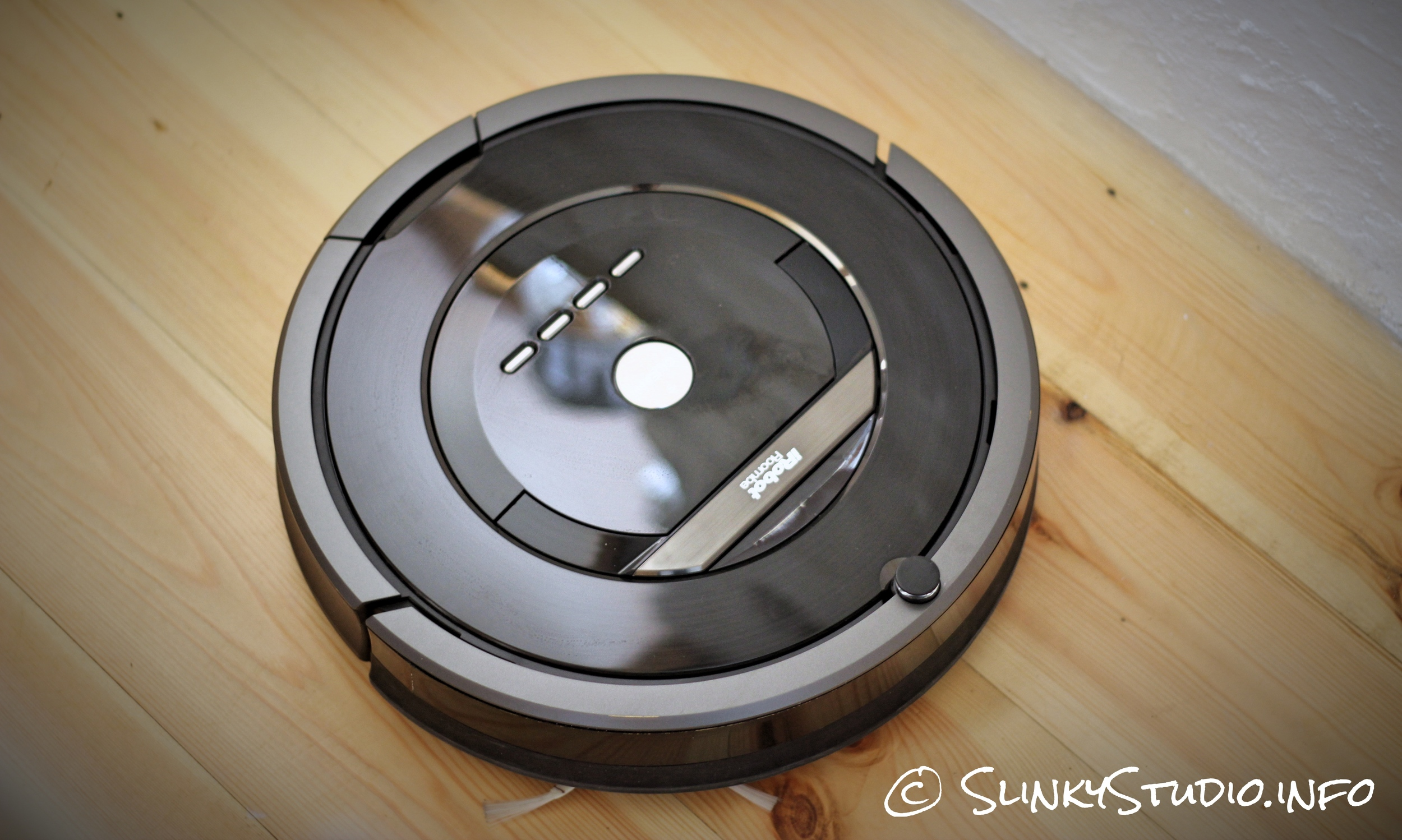 iRobot Roomba 880 Top View.jpg