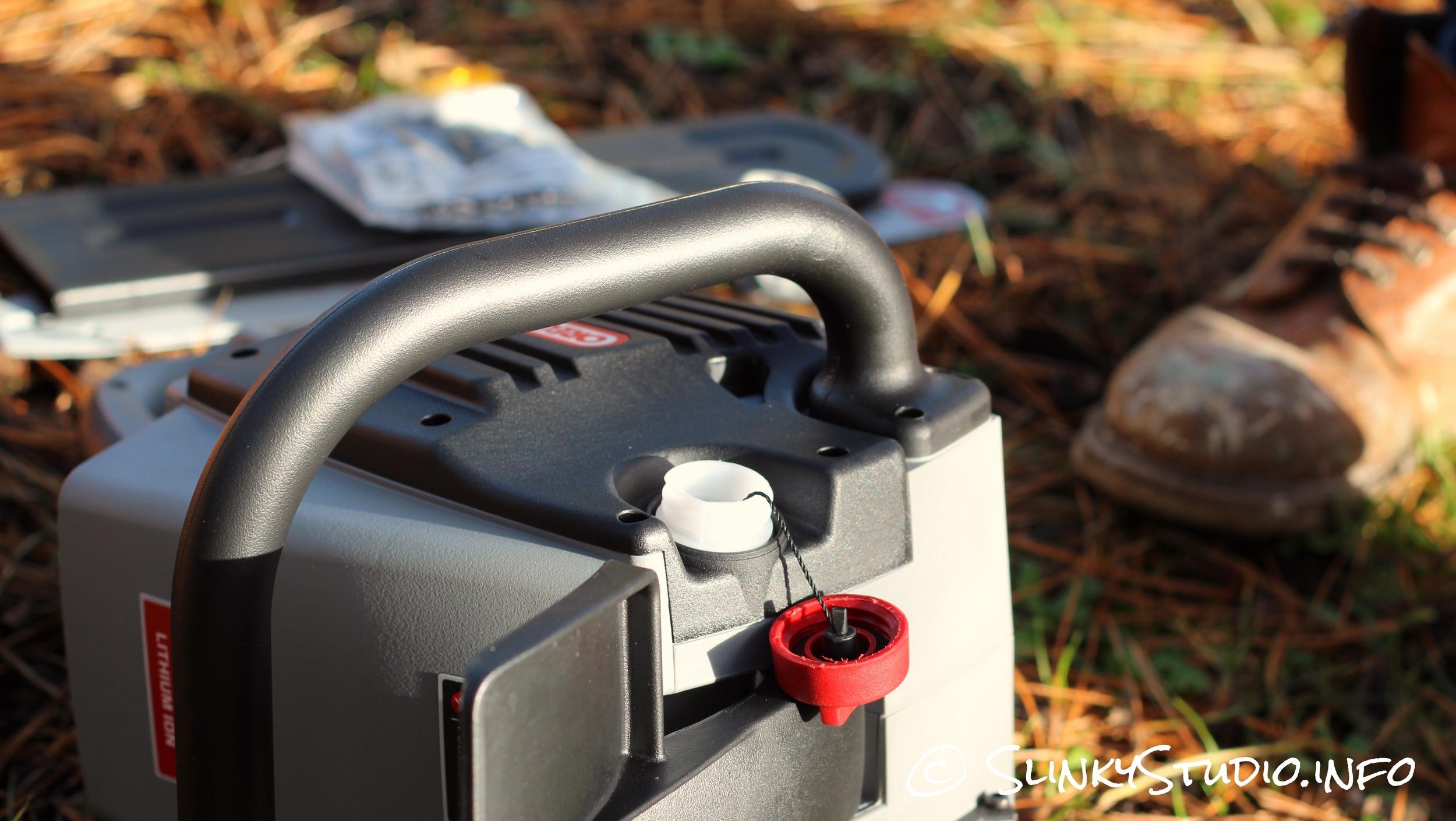 Oregon CS300 PowerNow Cordless Chainsaw Oil.jpg