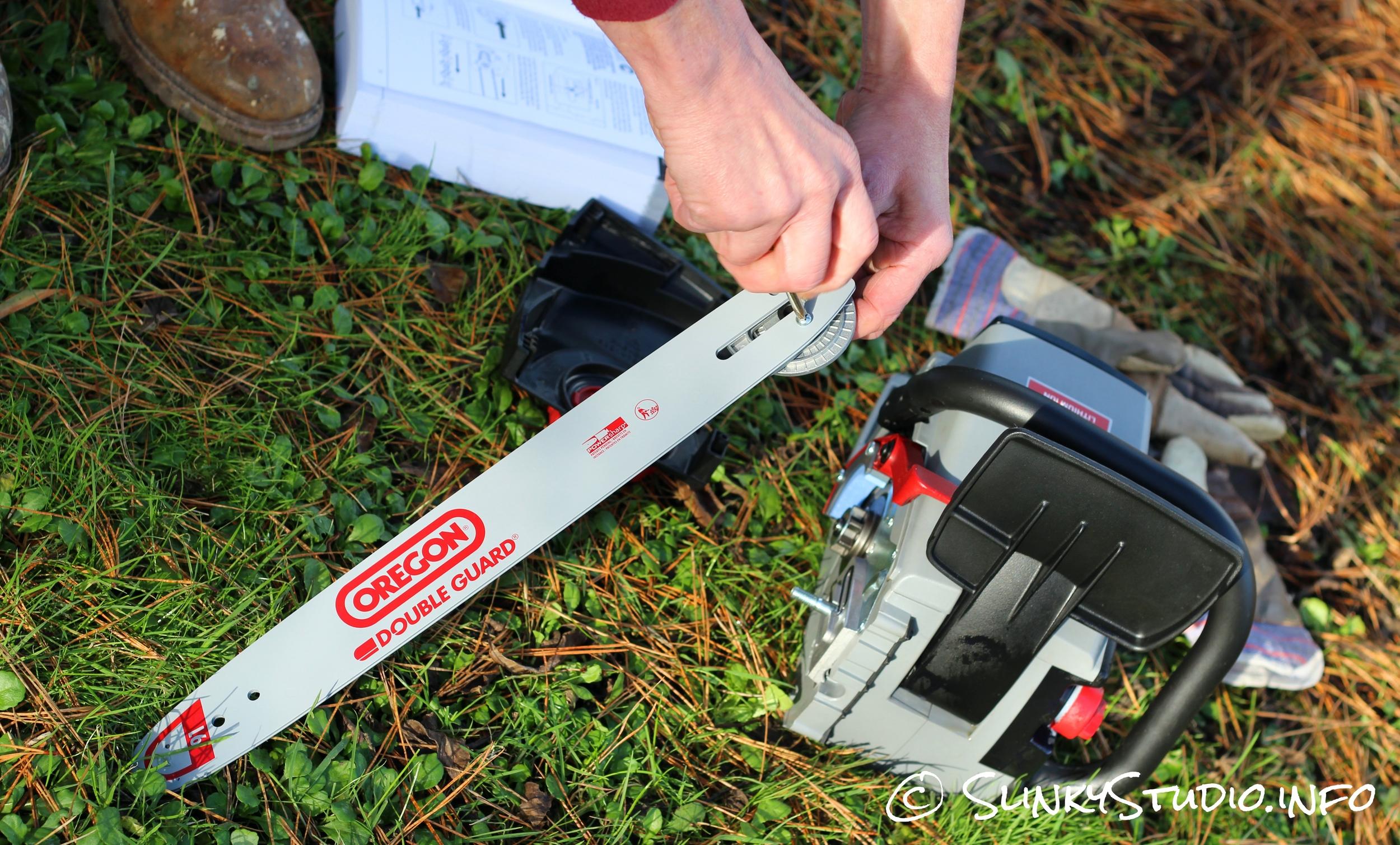 Oregon CS300 PowerNow Cordless Chainsaw Chain Set.jpg