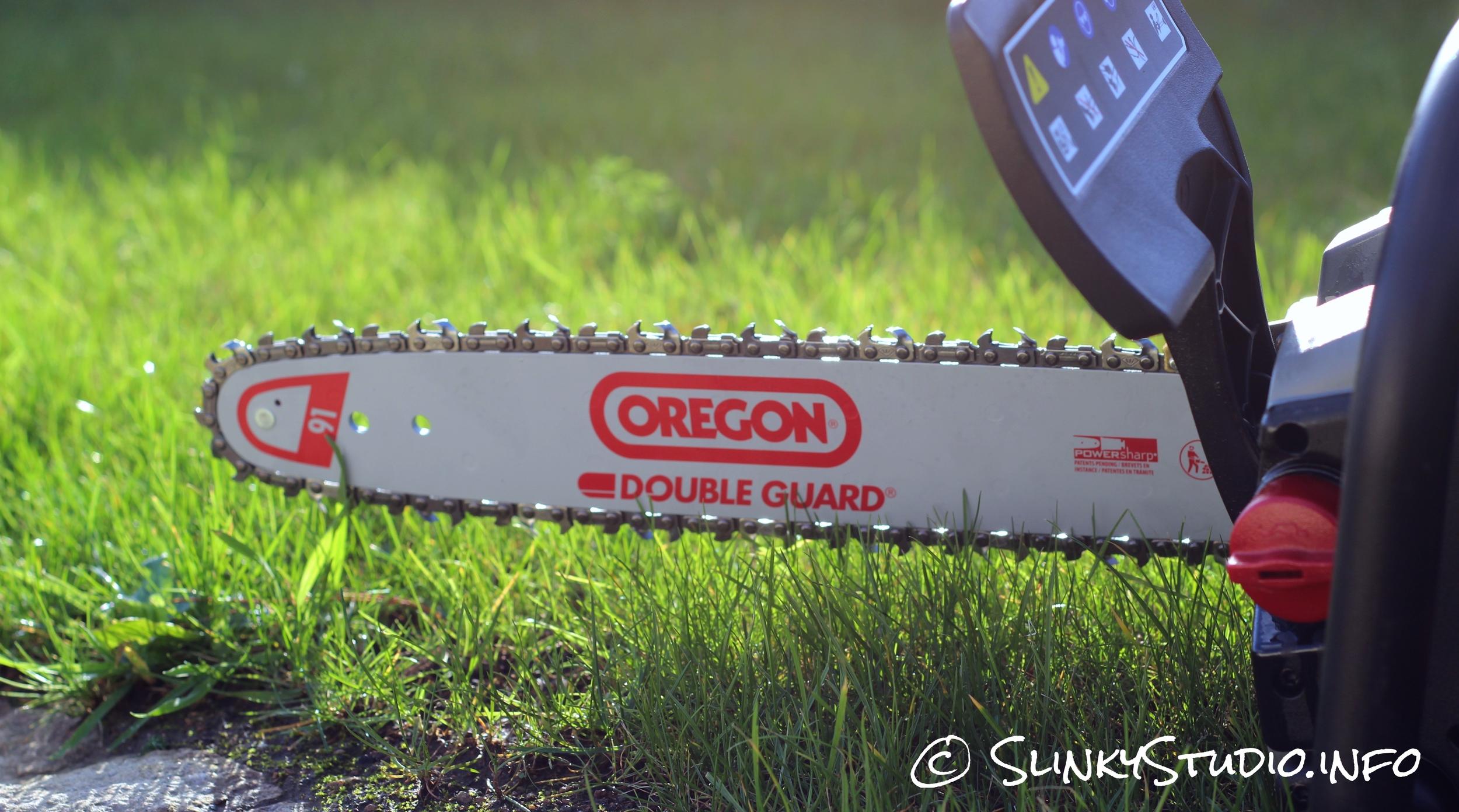 Oregon CS300 Cordless Chainsaw Back View Chain Guide Bar.jpg