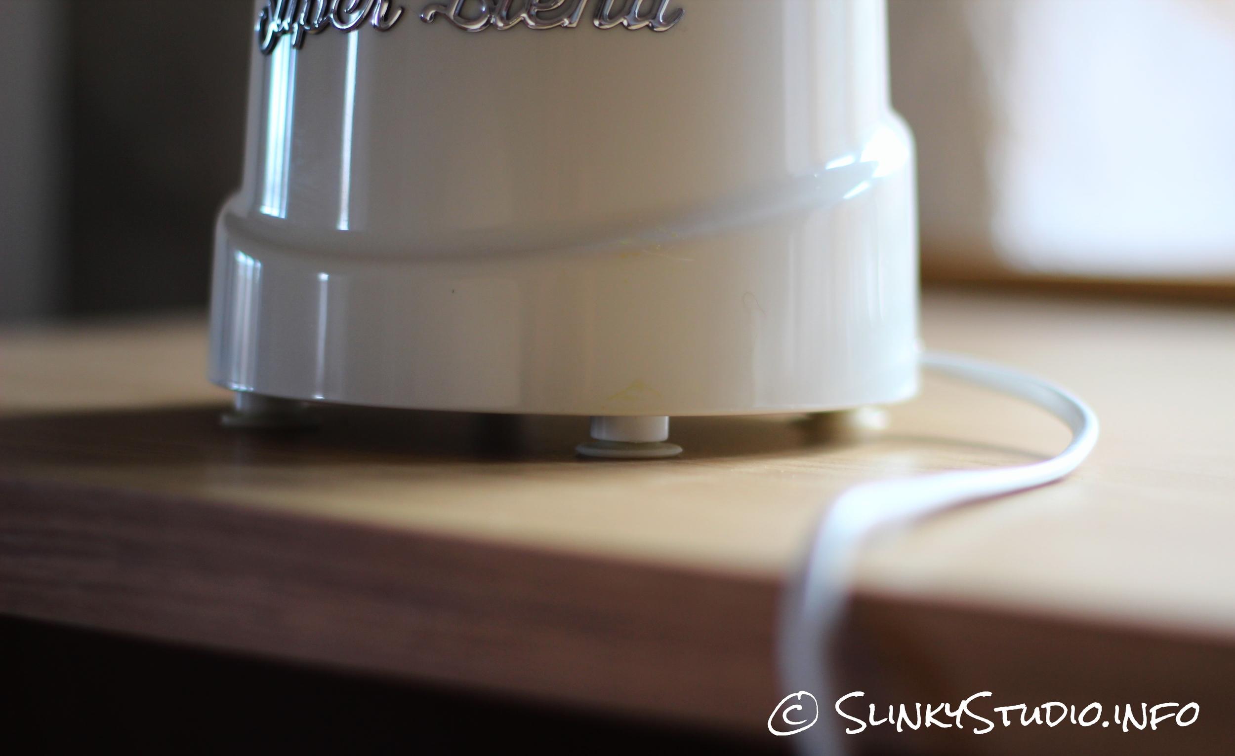 Retro Super Blend Blender Suction Grips on Base