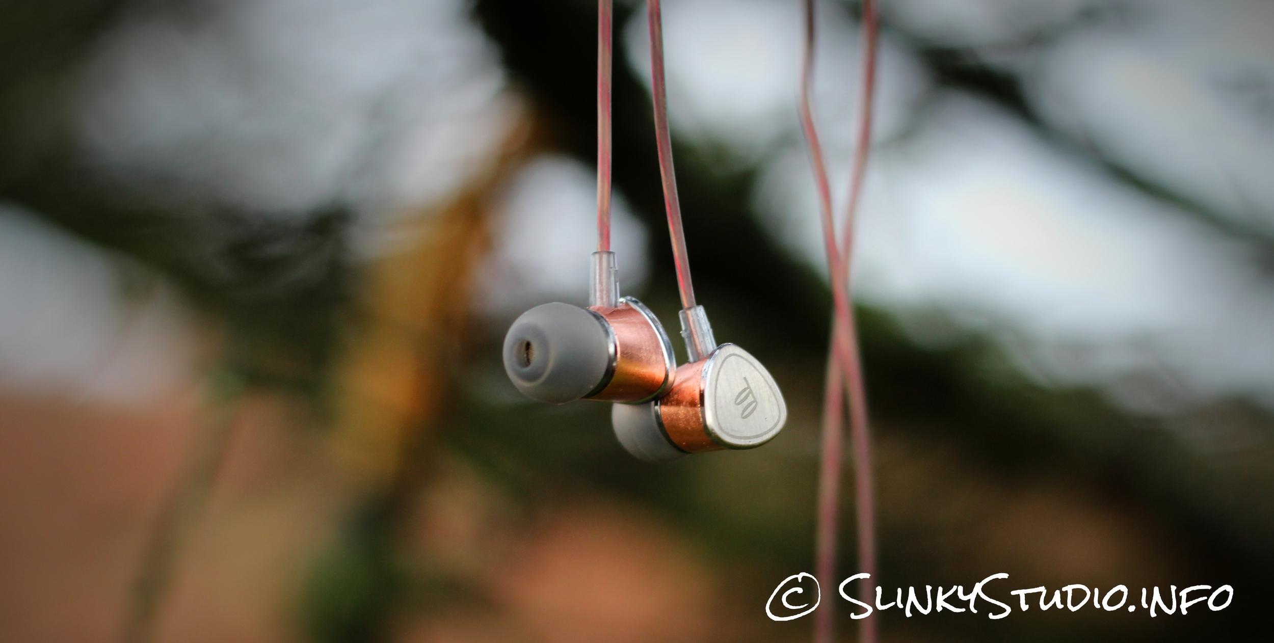 FIDUE A65 Earphones Dangling from Tree