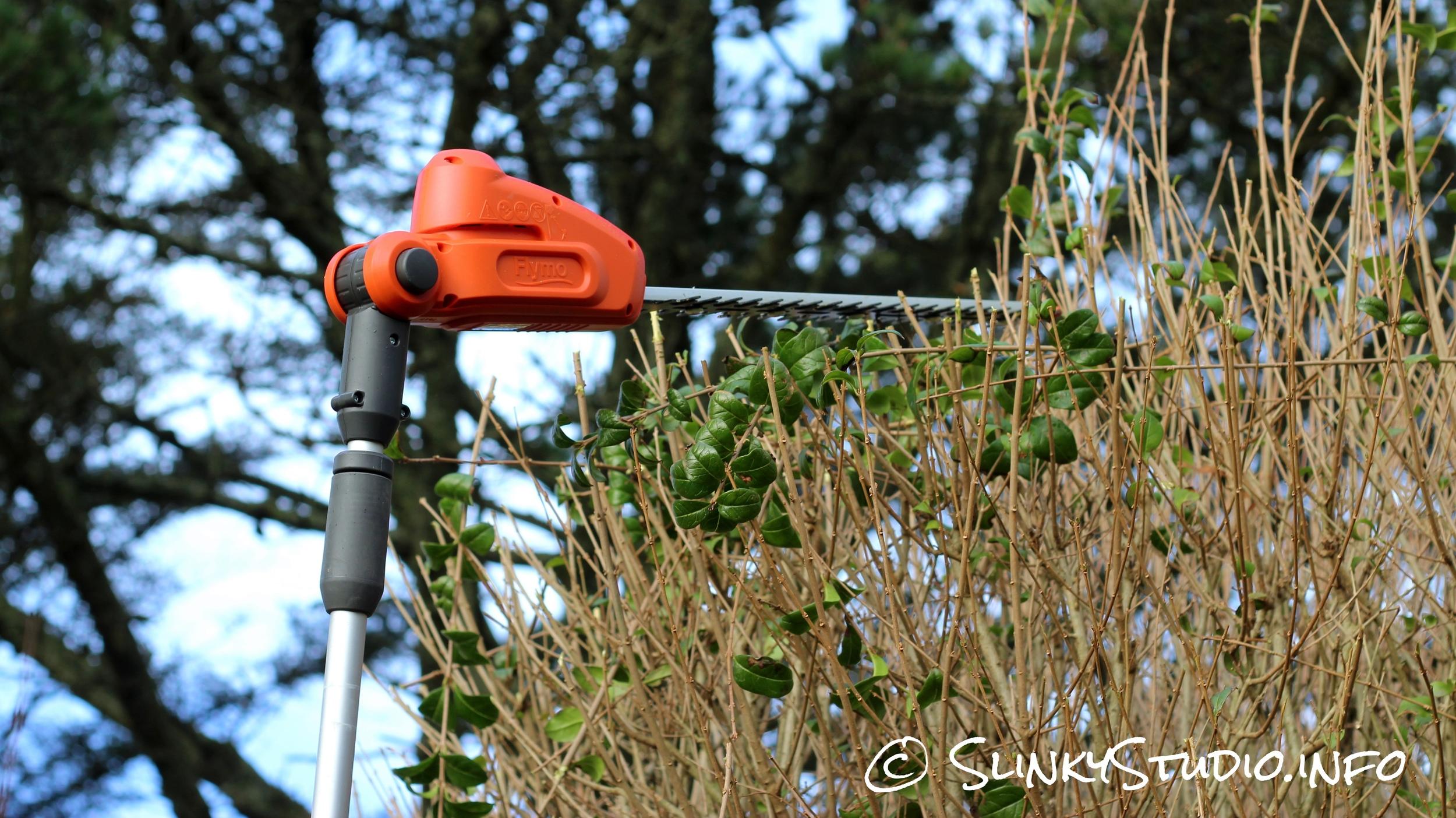 Flymo SabreCut XT Cordless Hedge Trimmer