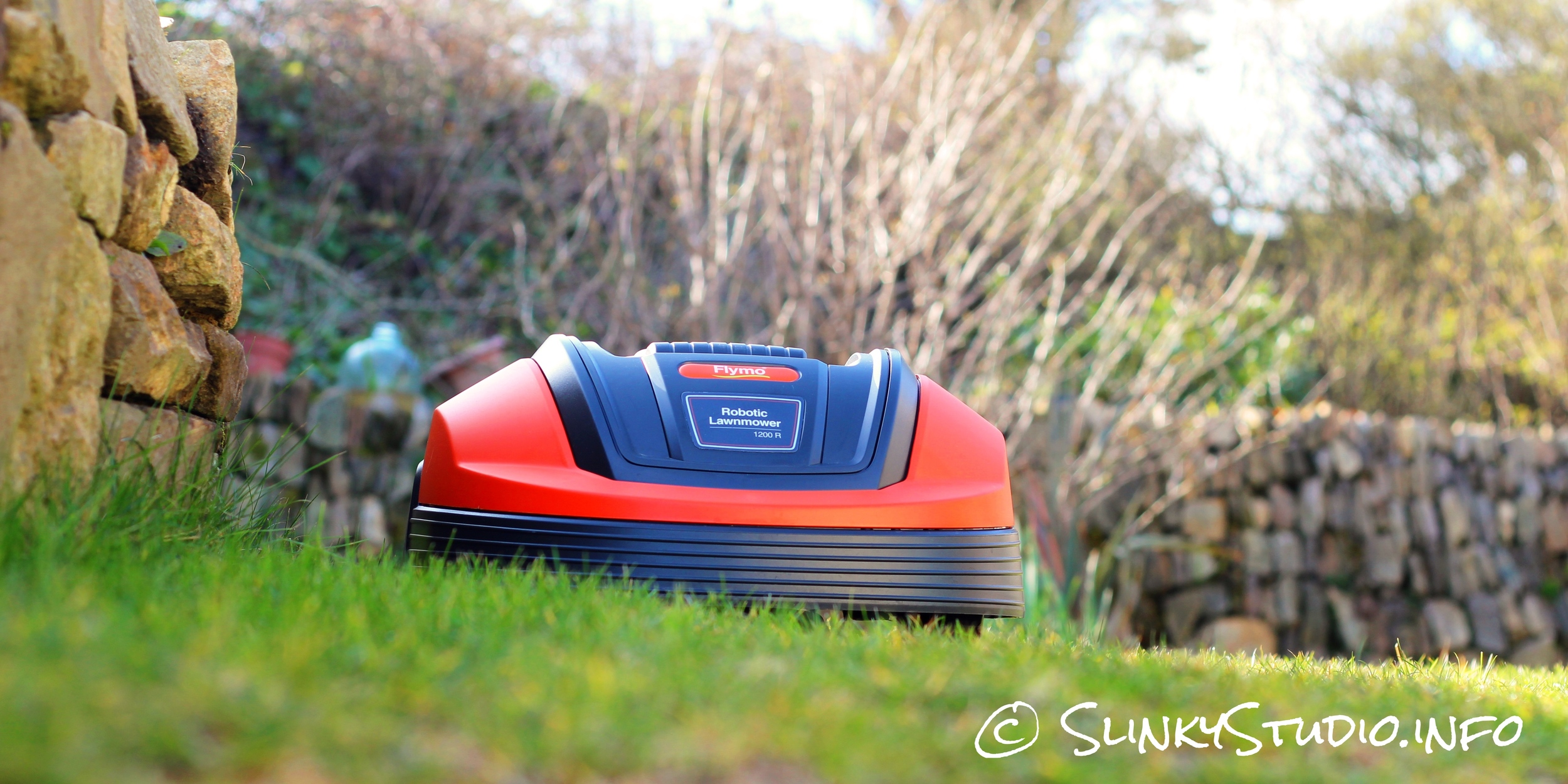 Flymo Robotic 1200R Lawnmower Ground View.jpg