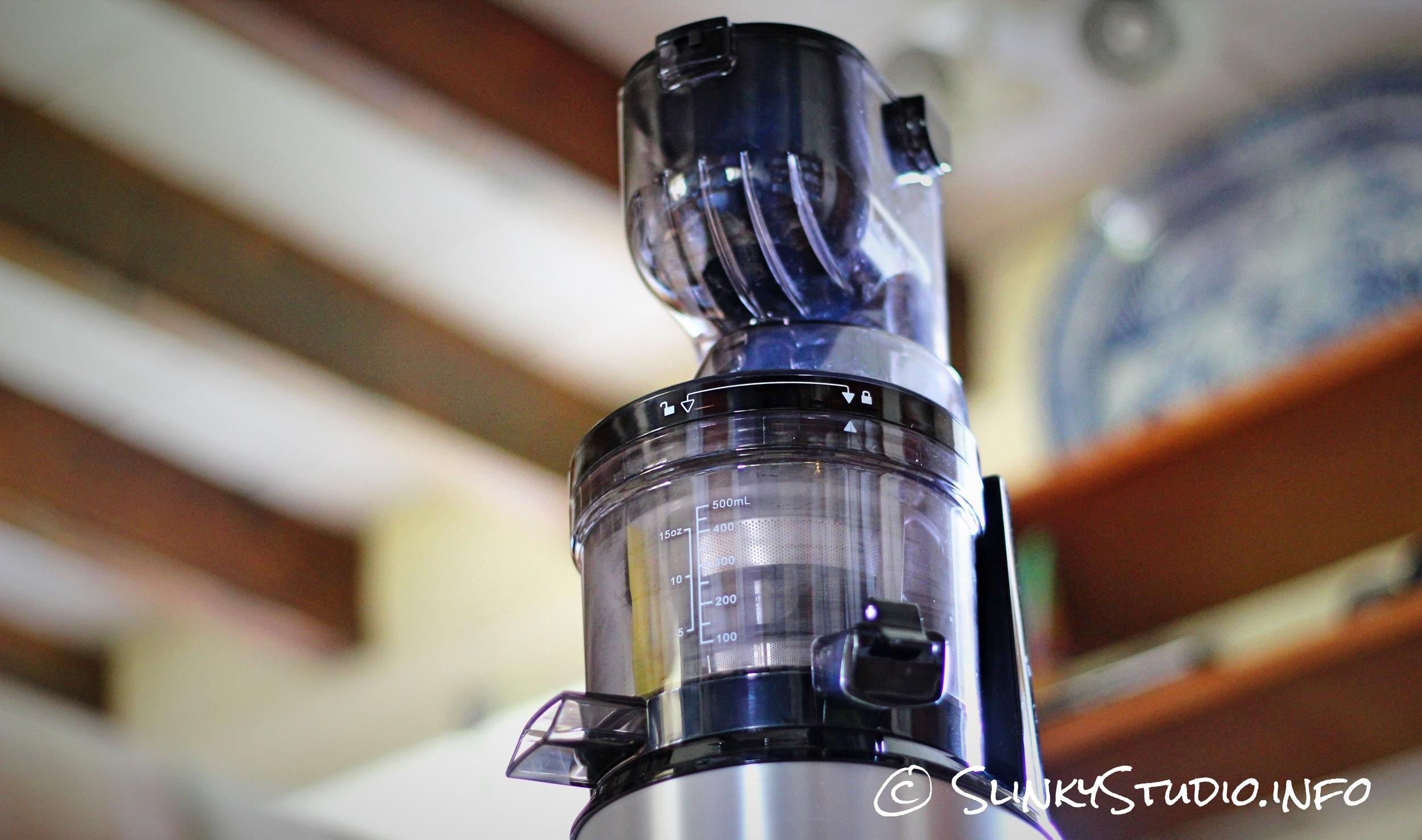 Optimum 700 Advanced Juicer Upward Ceiling Angle.jpg