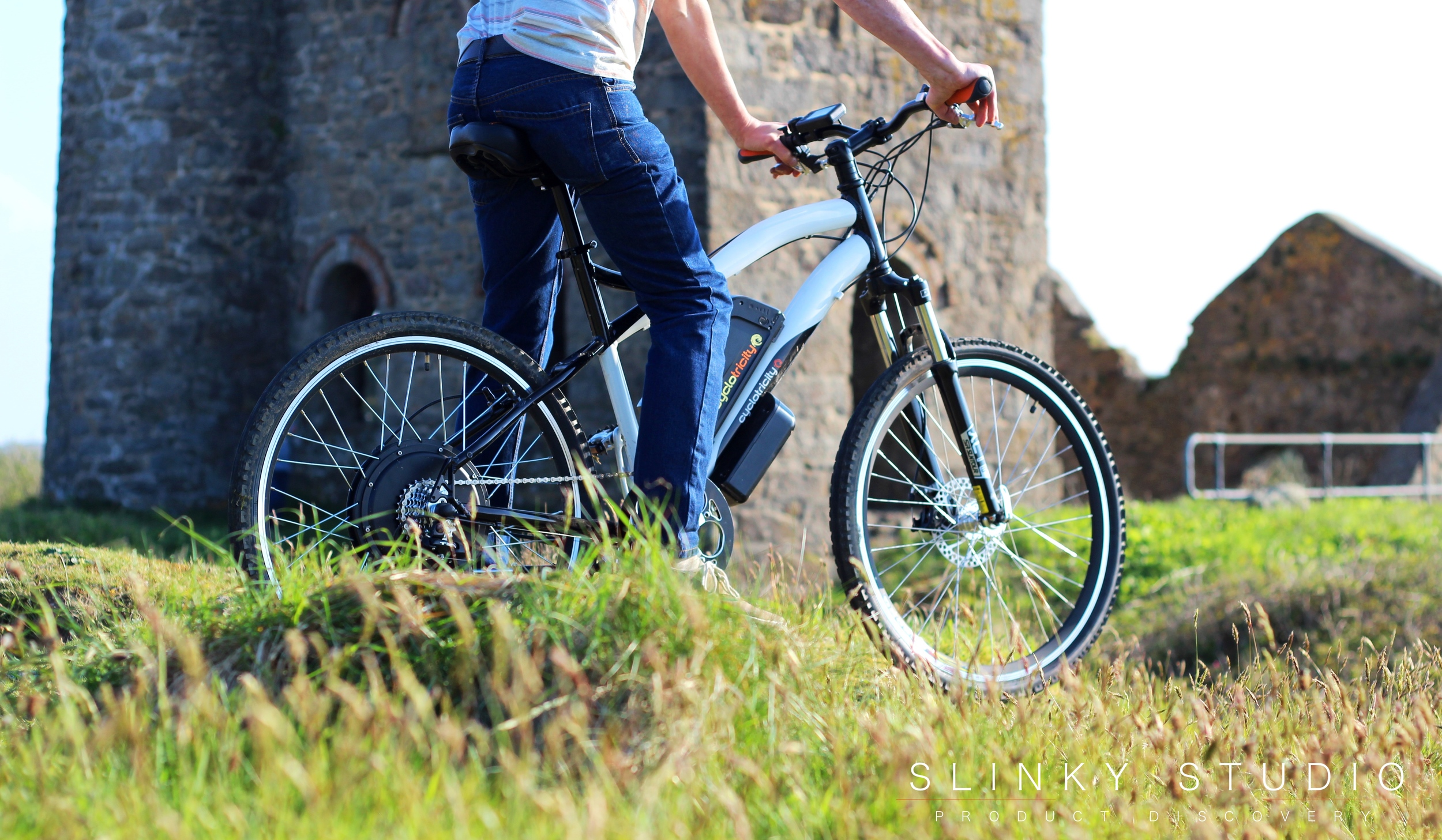Cyclotricity Stealth eBike Riding in Cornwall Countryside Jump.jpg