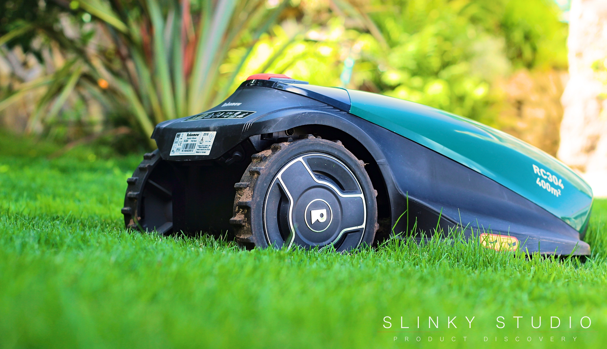 Robomow RC304 Robot Lawnmower Climbing Slope.jpg