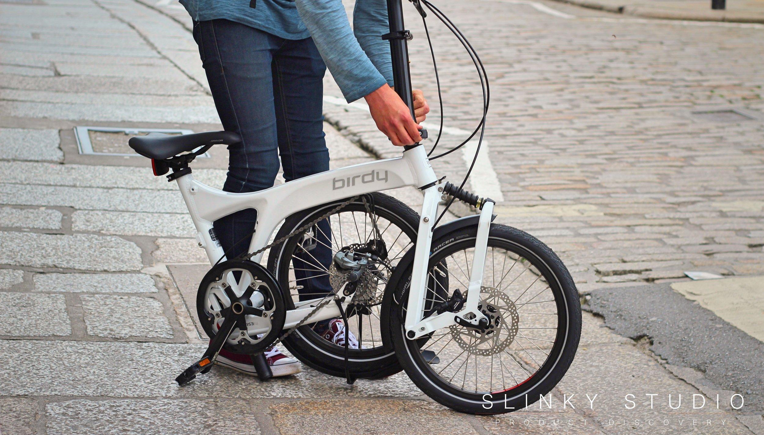 Birdy Speed Folding Bike Securing Handlebars.jpg